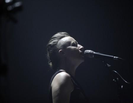 photo-concert-jeanne-added-bikini-toulouse-cha-production